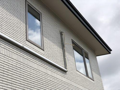 エアコン取り外し作業時の外壁側