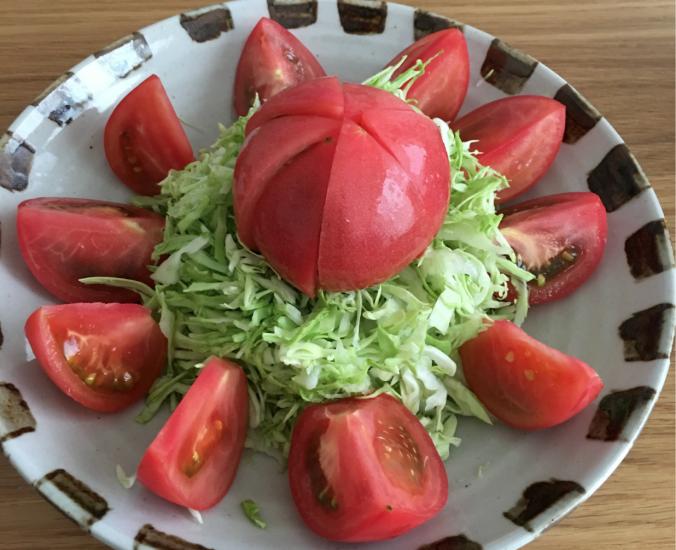 トマトとキャベツのサラダ