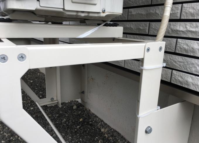 蜘蛛の巣ができやすい室外機の台