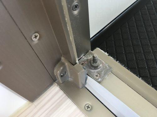扉の接続部分