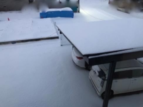 家の前に雪が降った