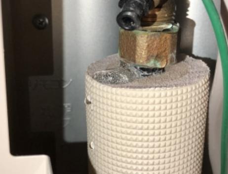 エコキュート配管からの水漏れ