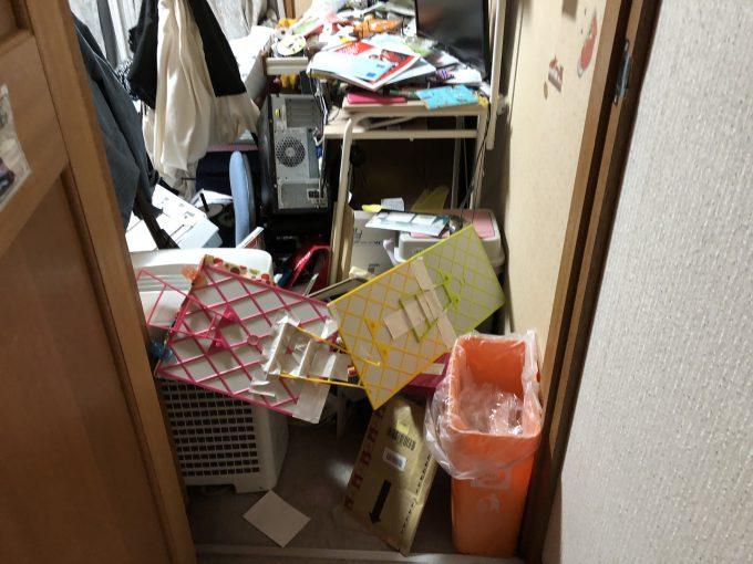 地震後の家の中