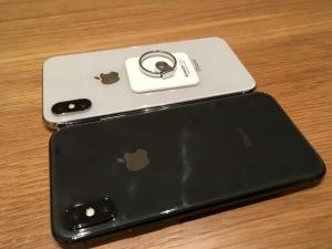 iPhoneXスペースグレイとシルバーの比較