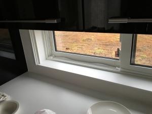 キッチンの引き違い窓