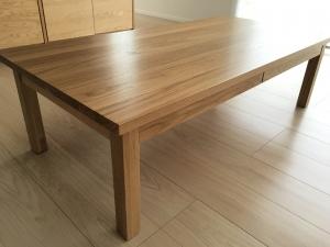 無印良品の無垢材ローテーブル・オーク材