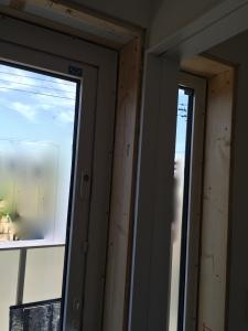 窓枠交換工事1