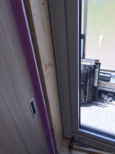 窓枠交換工事3