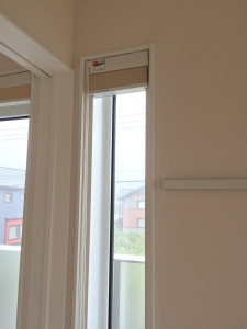 窓枠工事壁紙張り替え完了後2