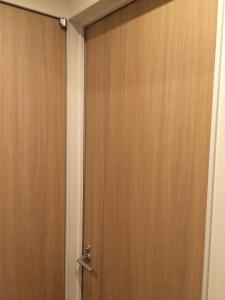 書斎のドアの隙間2