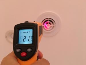 室内換気口の温度