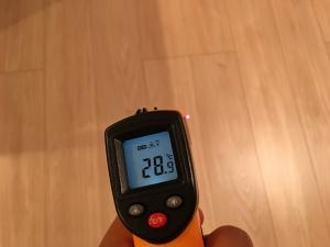 床暖房のフローリングの温度