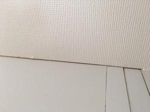 壁紙の隙間作業前