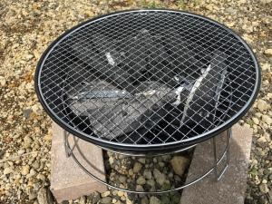 バーベキューコンロの設置と炭をおこす