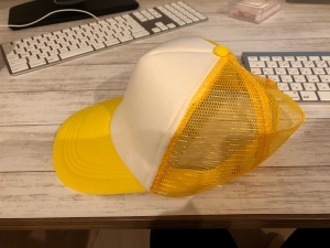 ツバのある帽子