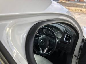 ドアの車体側のゴム