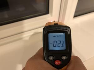 サッシの温度