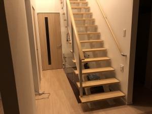 階段下の犬用サークルスペース